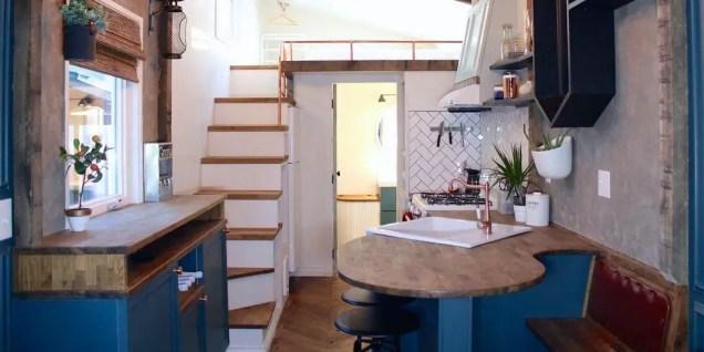 Tiny House Mansion 88