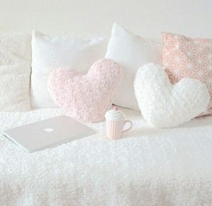 White And Pastel Bedroom 113