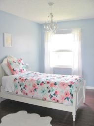White And Pastel Bedroom 127
