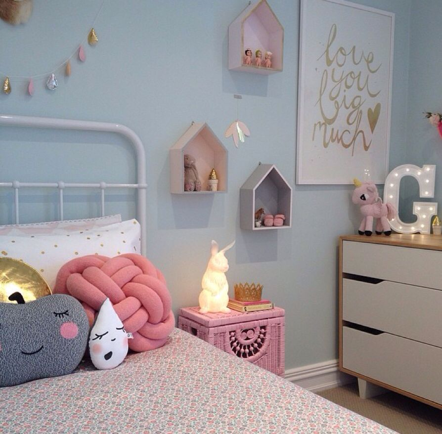 White And Pastel Bedroom 130