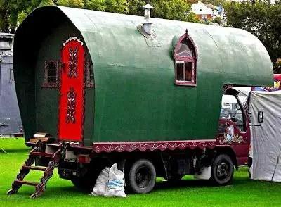 Camper Vans Caravans 17