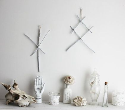 Decorative Wall Hangings 109