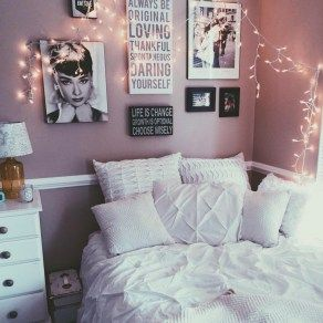 Elegant Cozy Bedroom 45