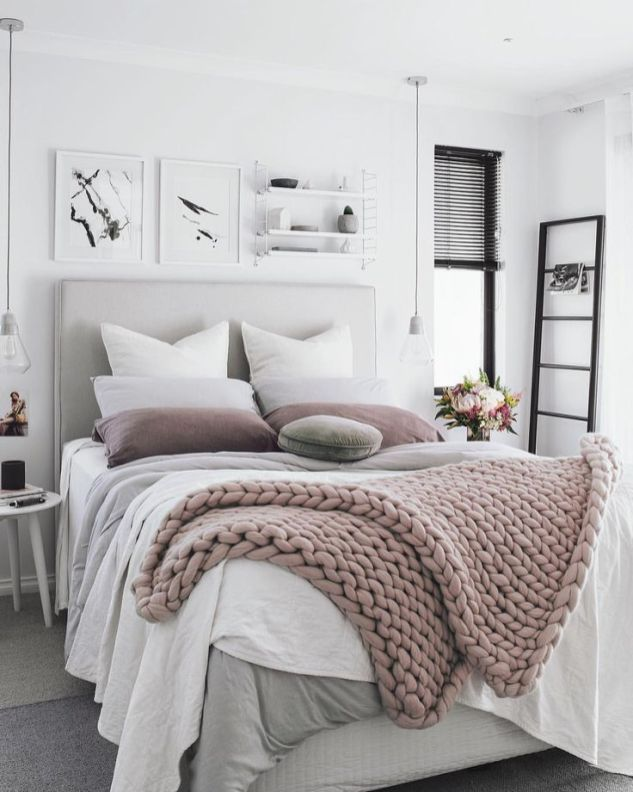 Colorful Modern Bedroom 14