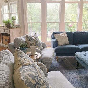 Farmhouse Living Rooms 15