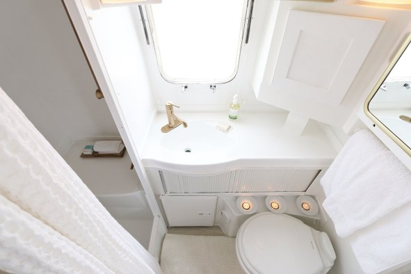 Airstream Bathrooms 18