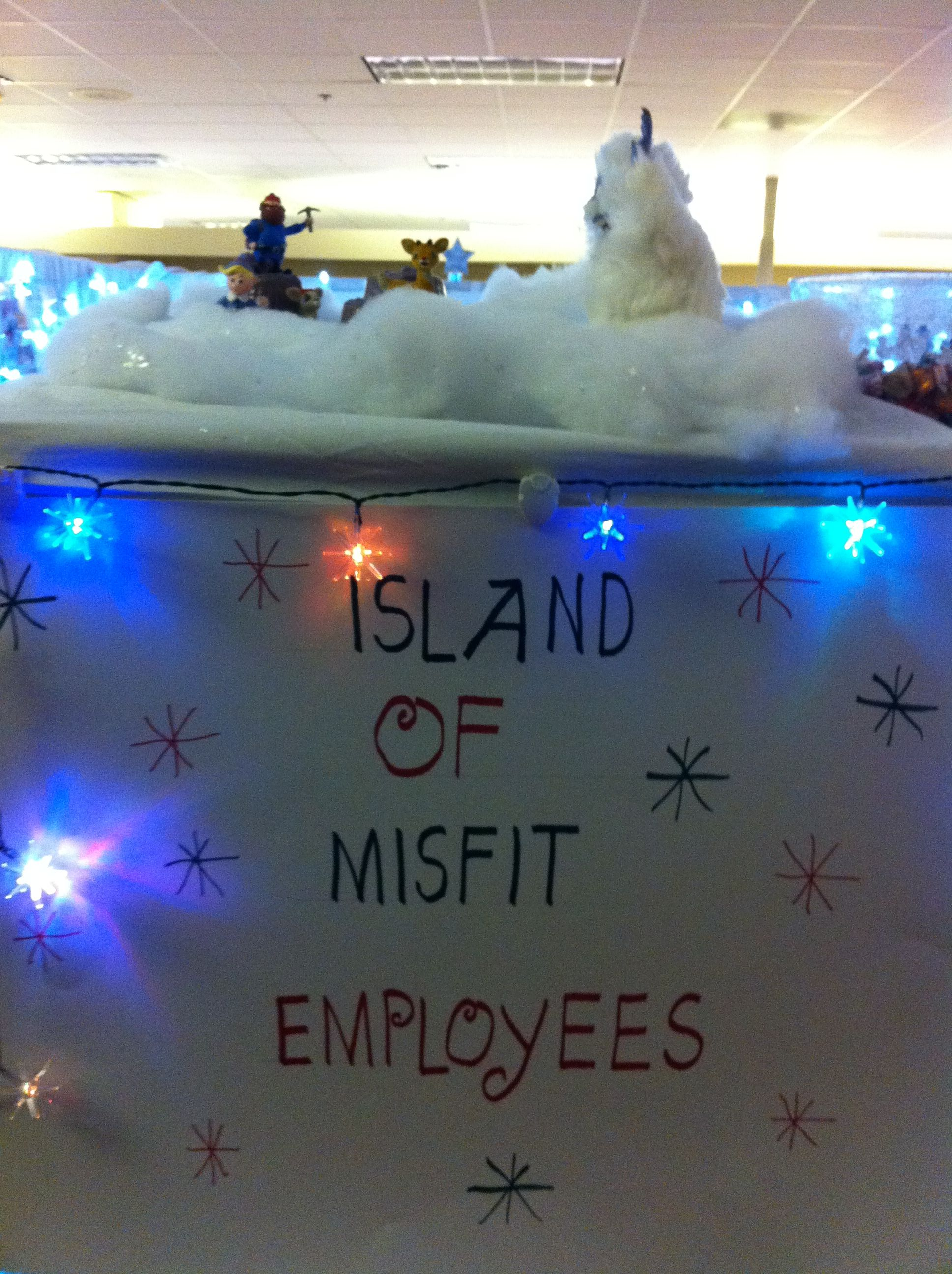 Christmas Office Decorations 11