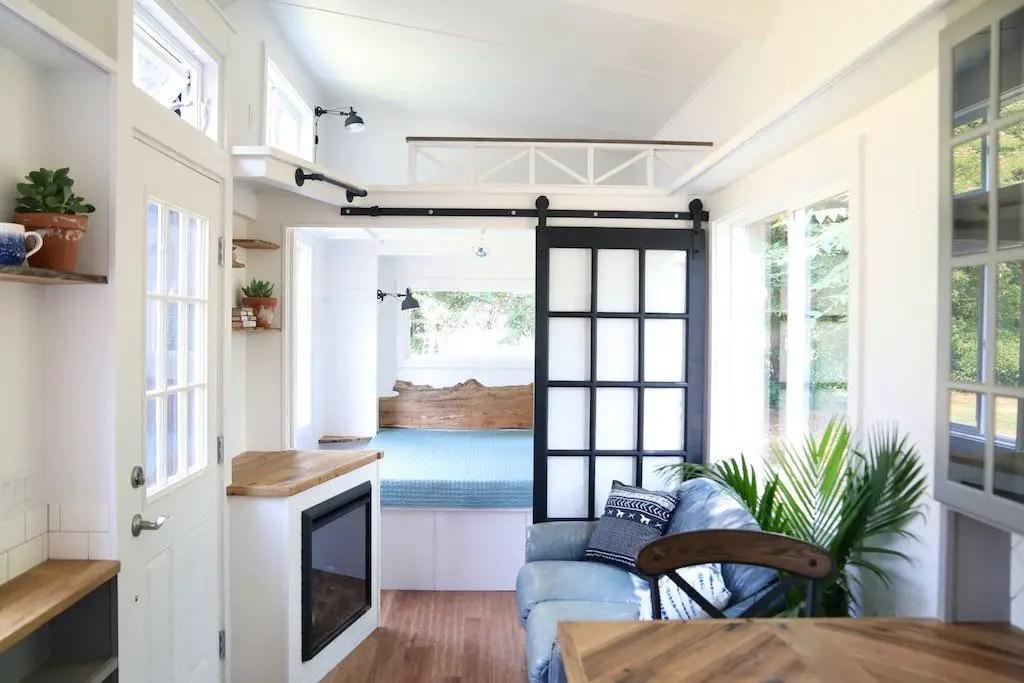 Charming Tiny House Ideas 55