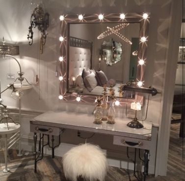 Glam Makeup Room 1