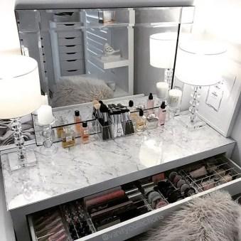 Glam Makeup Room 21