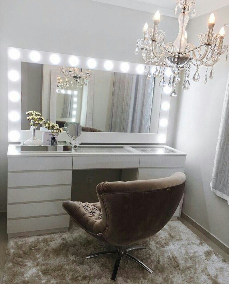 Glam Makeup Room 3