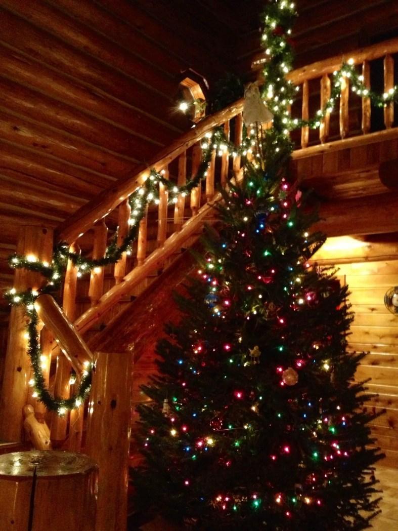 Lake House Christmas 28