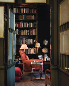Renaissance Living Room 15