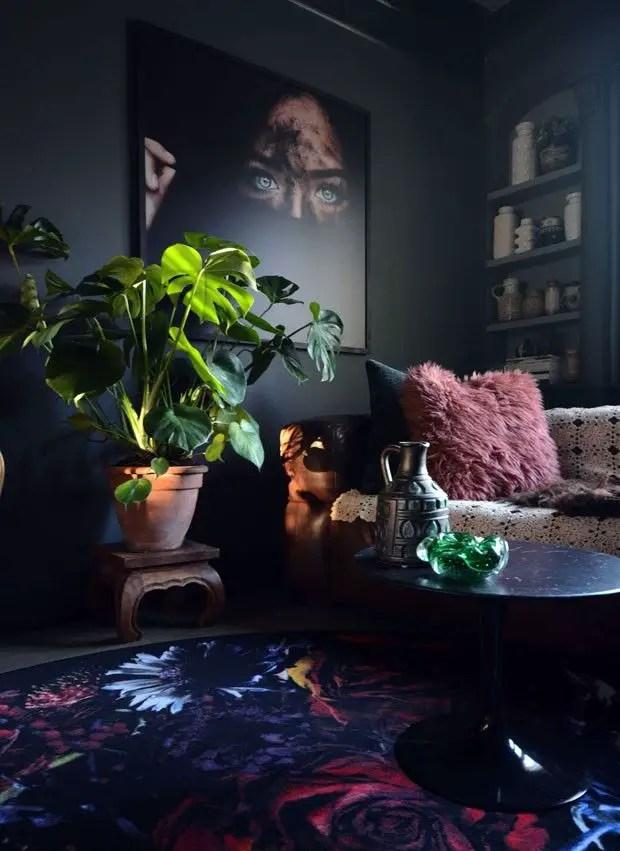 Renaissance Living Room 18