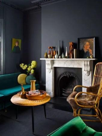 Renaissance Living Room 33