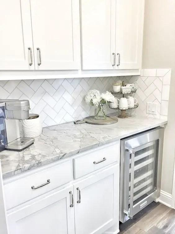 White Kitchens 1