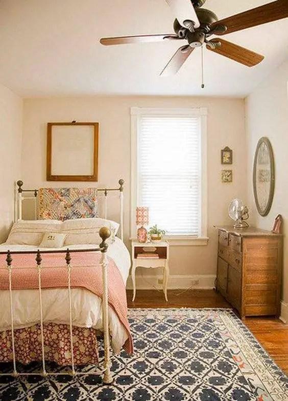 Minimalist Bedrooms Ideas 12