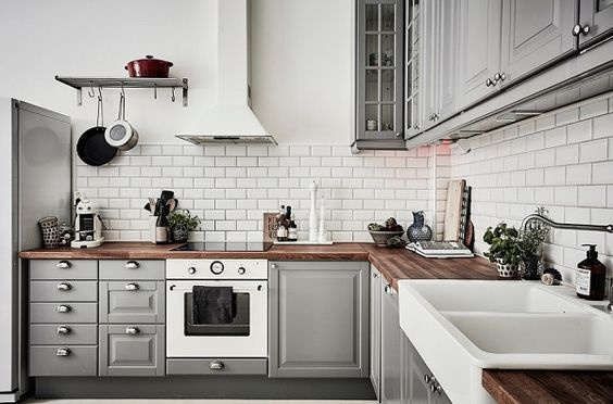 14 Stylish Black And White Subway Tiles Kitchen Design With Matching Furniture Decoratoo