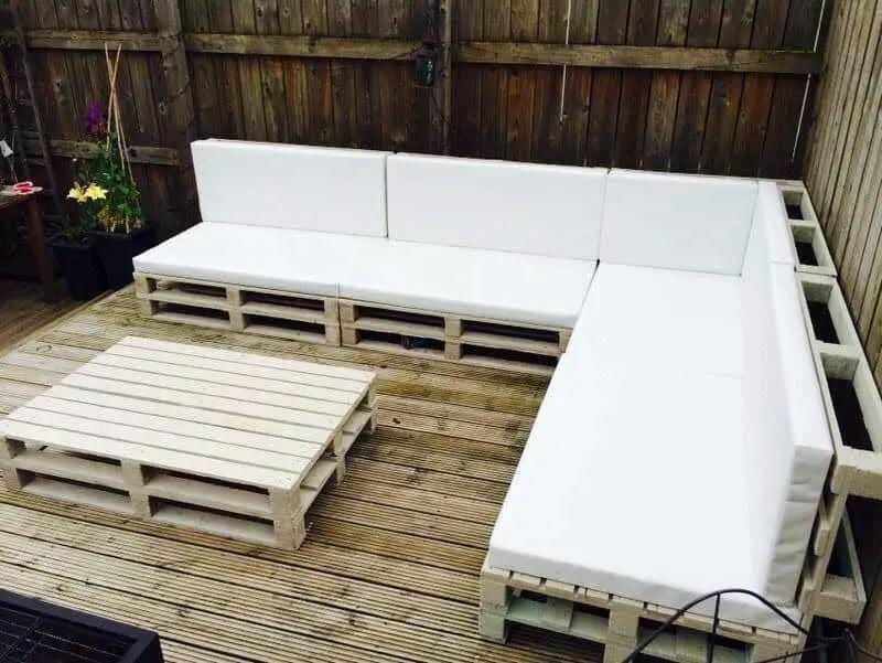 Wooden Pallets Sofa 12