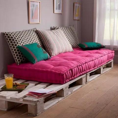 Wooden Pallets Sofa 22