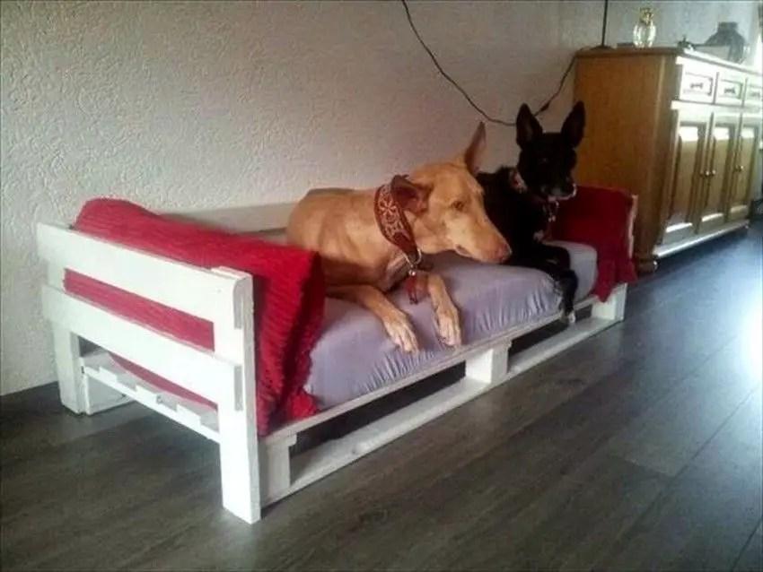 Pallet Dog Beds 17