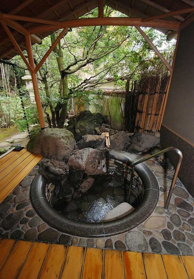 Amazing Outdoor BathroomShower Ideas You Can Try In Your