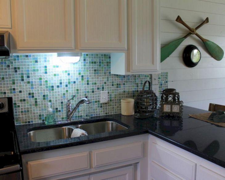 26 Glass Tile Kitchen Backsplash Ideas