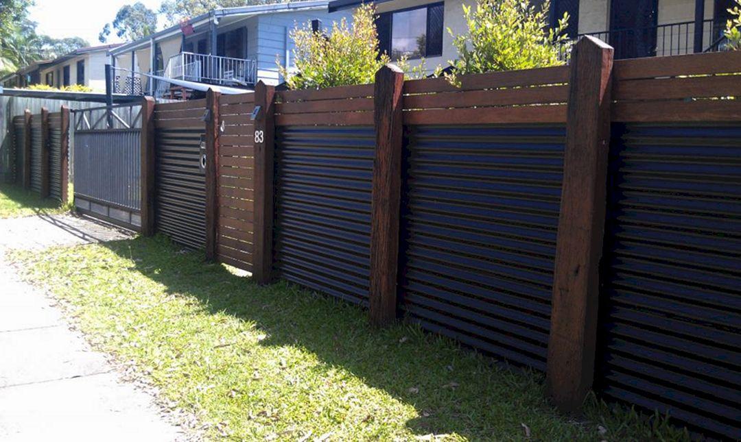 Corrugated Metal Privacy Fence Idea - DECOREDO