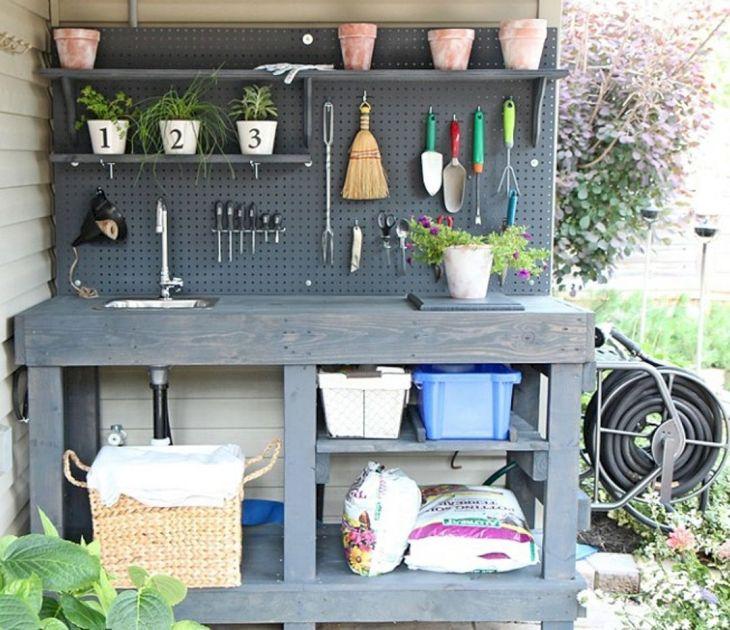 DIY Pallet Garden Design