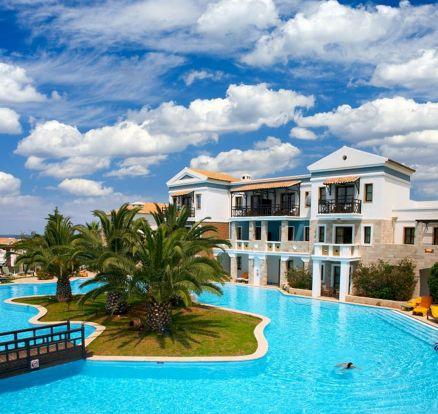 Luxury Tropical Hotel Resorts