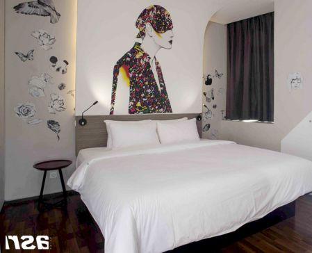 65 The Best Way to Beautify Your Bedroom Headboard 0036