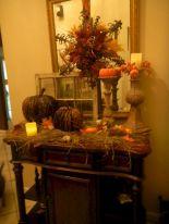Foyer Entrance Fall Decorating Ideas 5