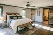 35 Stunning Magnolia Homes Bedroom Design Ideas For Comfortable Sleep 004