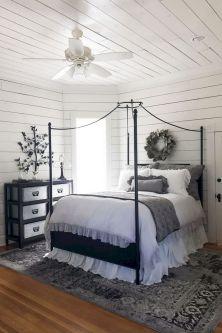35 Stunning Magnolia Homes Bedroom Design Ideas For Comfortable Sleep 036