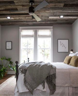 35 Stunning Magnolia Homes Bedroom Design Ideas For Comfortable Sleep 042