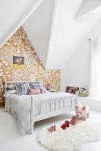 Beautiful Bedroom Wallpaper Decorating Ideas 21