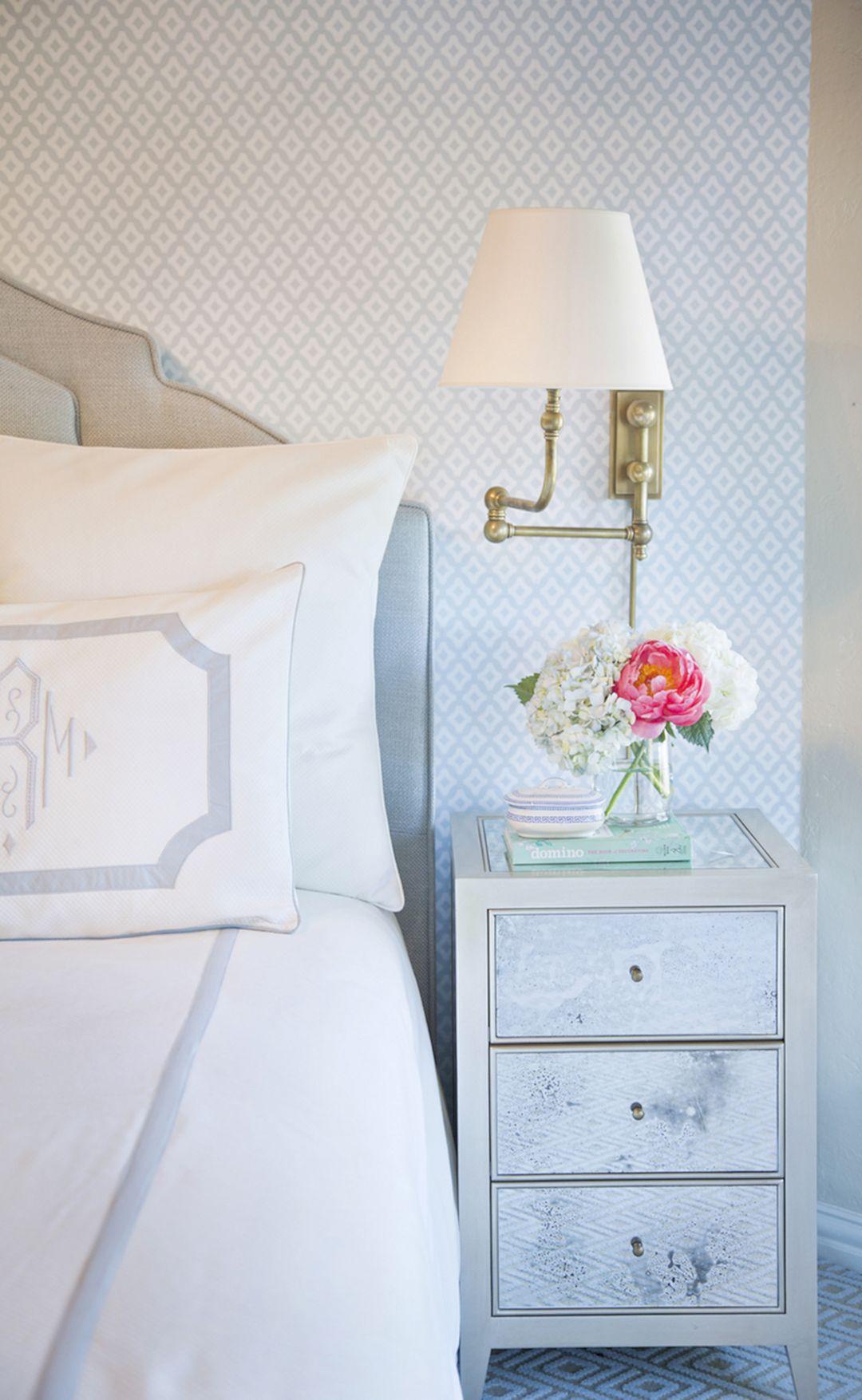 Beautiful Bedroom Wallpaper Decorating Ideas 6