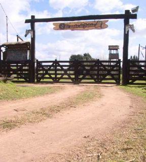 Farm Driveway Entrance Gate