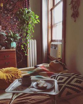 Incredible Yellow Aesthetic Bedroom Decorating Ideas 36