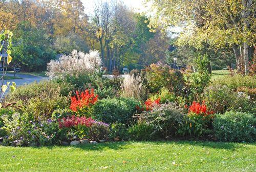 Beautiful Fall Garden Ideas For Awesome Fall Season 200