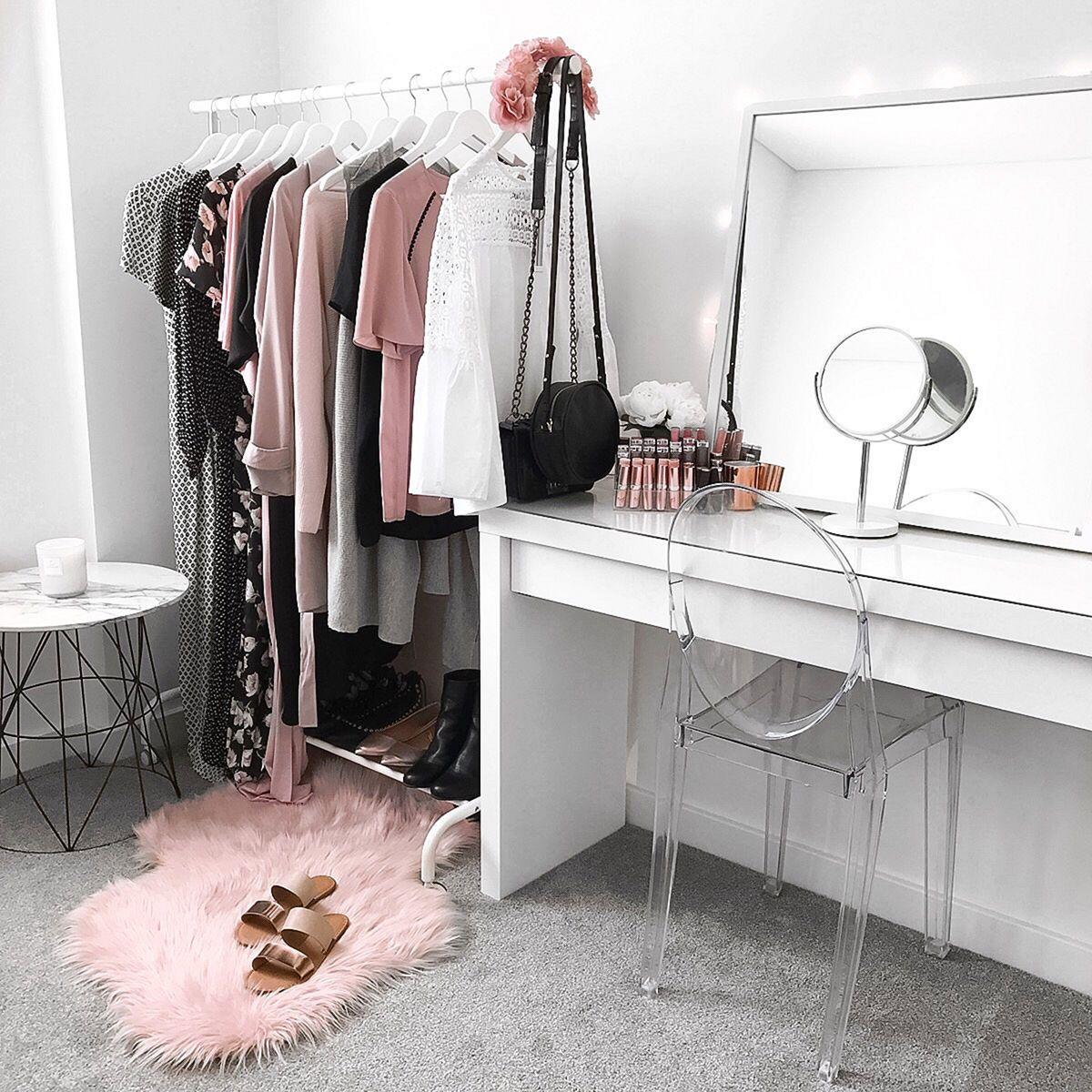 Bedroom Bureau Set
