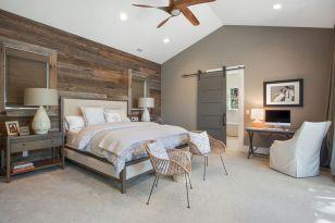 Rustic Farmhouse Style Master Bedroom Ideas 17