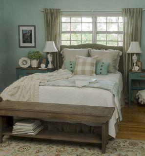 Rustic Farmhouse Style Master Bedroom Ideas 27