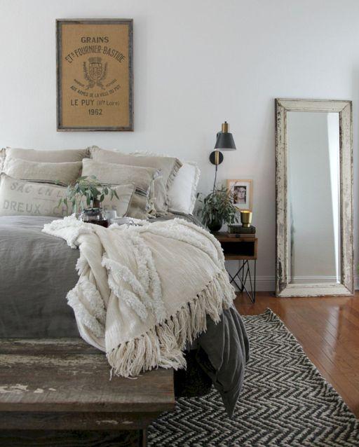 Rustic Farmhouse Style Master Bedroom Ideas 36