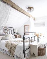 Rustic Farmhouse Style Master Bedroom Ideas 40