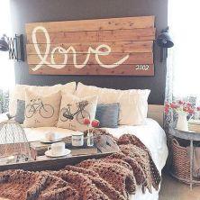 Rustic Farmhouse Style Master Bedroom Ideas 42