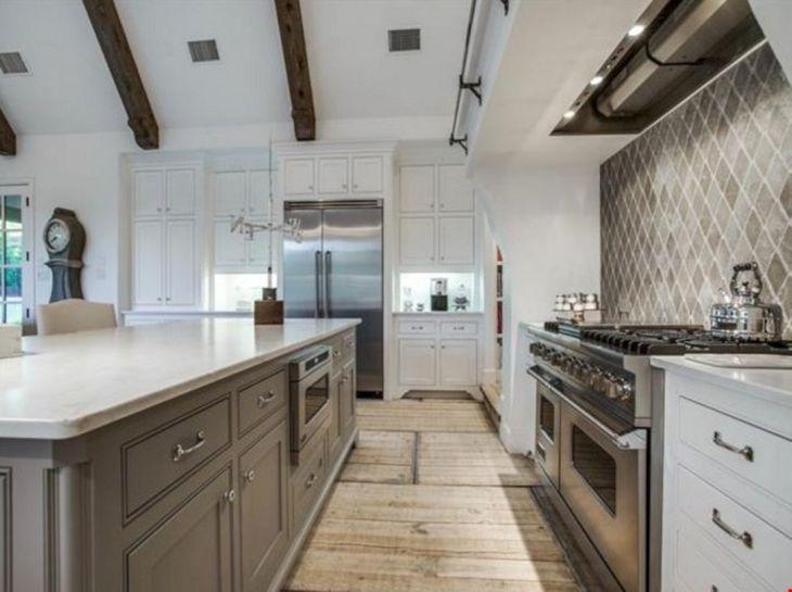 European Farmhouse Kitchen Idea