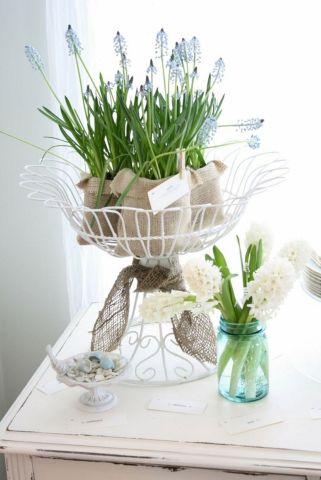 Spring Flower Arrangements & Decor