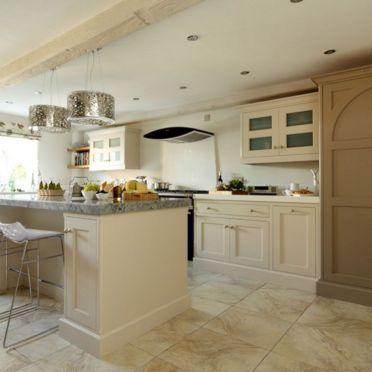Cream Shaker Style Kitchen