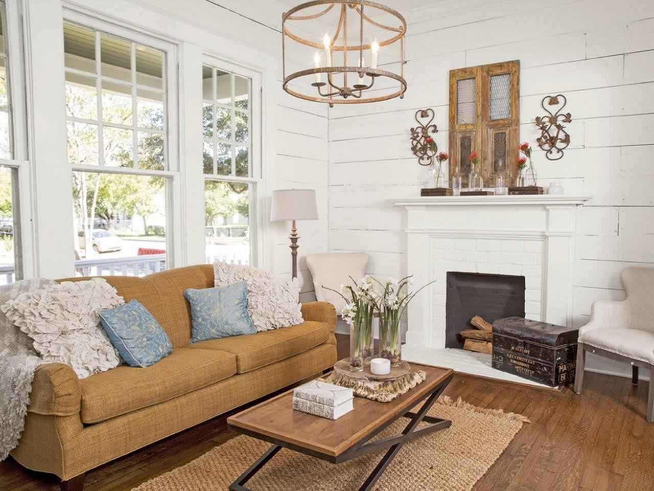 Fixer Upper HGTV Living Room Ideas – DECOREDO